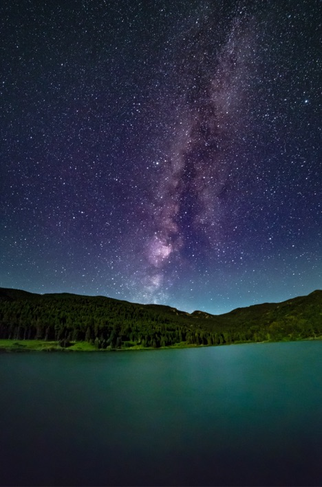Milky_Way_over_the_Mountains.jpg