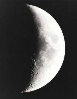 05 day moon